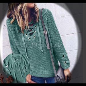 ❇️❇️NEW❇️❇️Cozy Lace-up Sage Green Seater